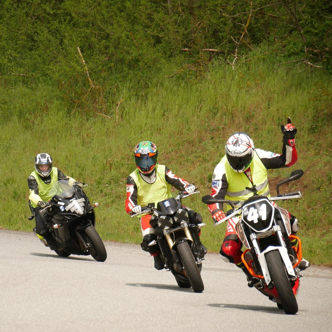 Photo by SWITCHevent Motorradtrainings in Race Track - Heidbergring. May be an image of 1 person, motorcycle and outdoors.